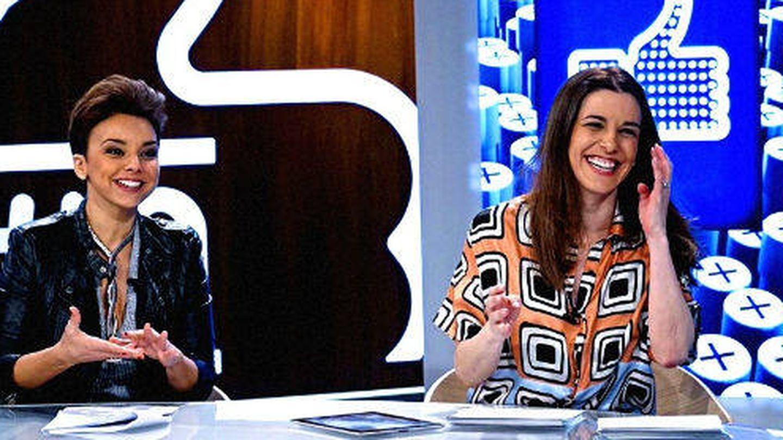 Raquel Sánchez Silva con Chenoa en 'Likes'.