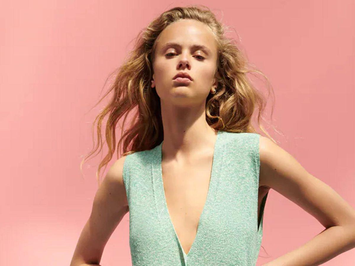 Foto: Vestido de Zara, un éxito de ventas viral y rebajado. (Cortesía)
