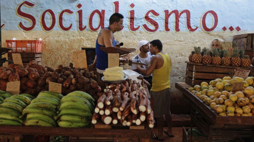 Foto: Venta de productos agrícolas en pesos cubanos en un mercado de La Habana, en octubre de 2013. (Reuters)