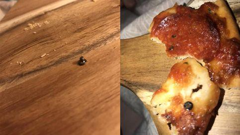 Encuentra un tornillo mientras se come una pizza congelada en Australia