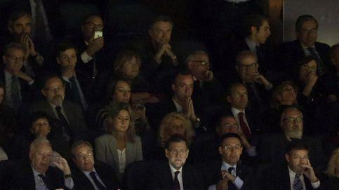 El socio Rajoy también sufre la goleada del Barcelona desde el palco