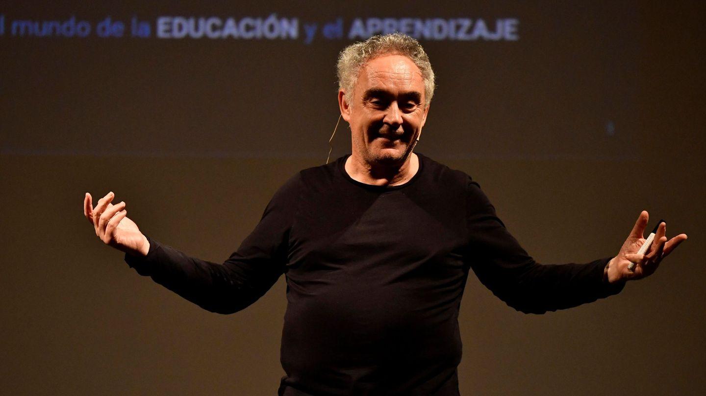 Ferran Adrià, en una de sus múltiples conferencias magistrales tras el cierre de El Bulli. (EFE)
