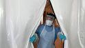 Hong Kong detecta un posible brote en el laboratorio que investiga el coronavirus