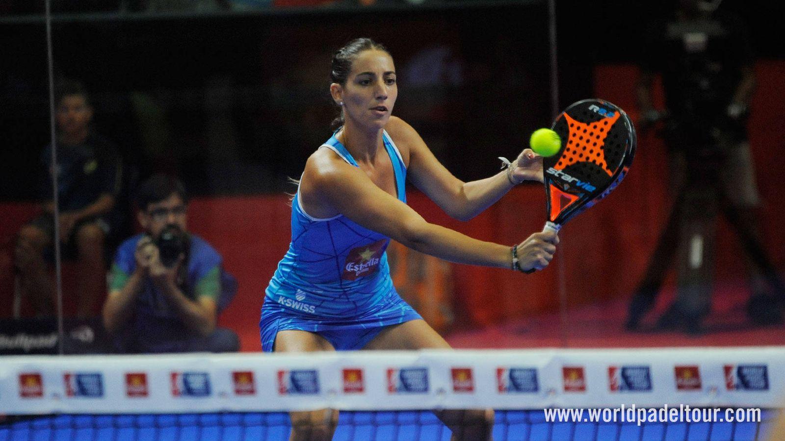 Foto: Teresa Navarro protagonizó el mejor punto de la jornada en el cuadro femenino del Alicante Open. (World Padel Tour)
