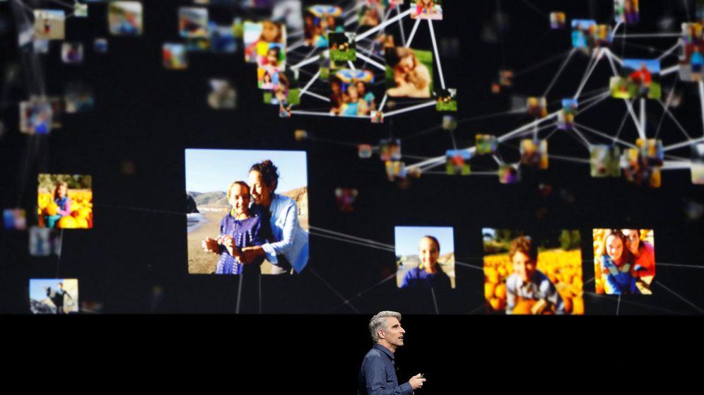 Foto: Craig Federighi, vicepresidente senior de ingeniería de software de Apple durante el WWDC. (Reuters)