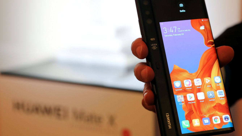 ¿Cuánto pagarías por un teléfono plegable? Huawei ya tiene su Mate X y luce pintón
