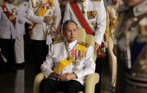 La última polémica del rey de Tailandia, el más rico del mundo
