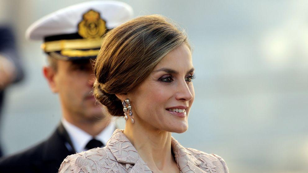 La Reina Letizia se viste de boda para sus primeras horas en Portugal