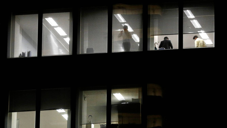 Las empresas negras, una nueva clase de explotación laboral: ¿trabajas en una?