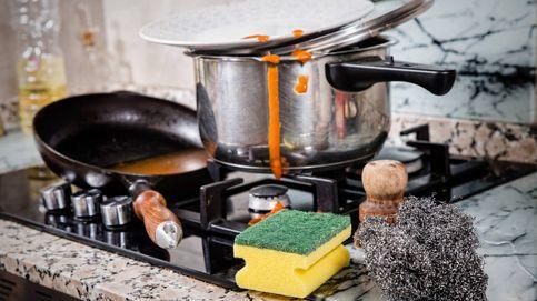 El estropajo es un caldo de cultivo: cómo limpiar correctamente tu cocina