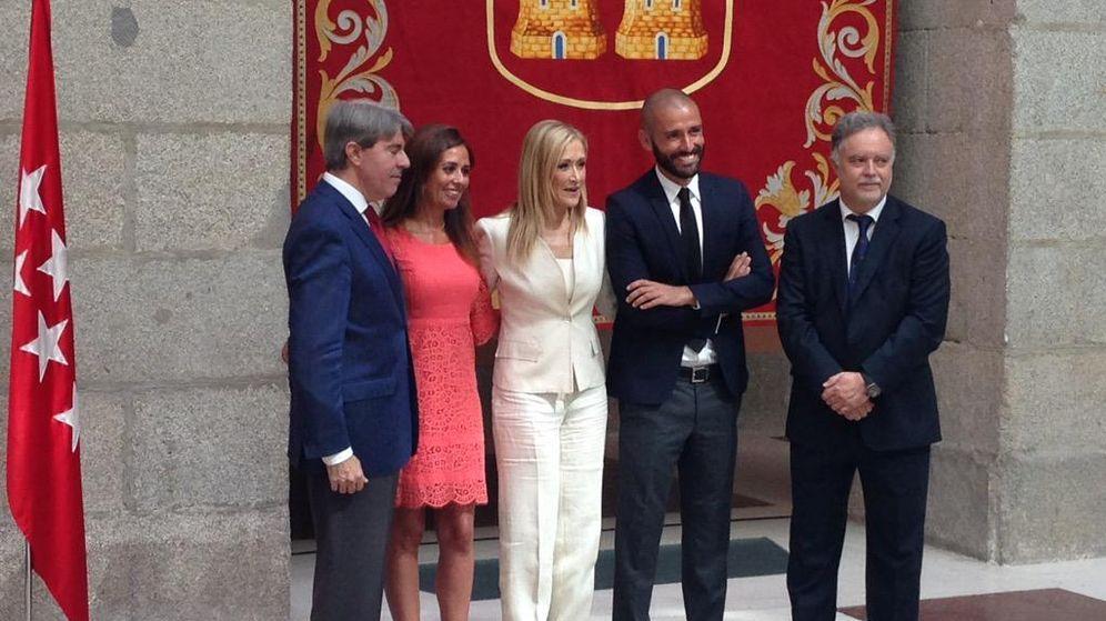 Foto: Cifuentes nombra al 'chico para todo' de la mujer de Rajoy como responsable de Cultura