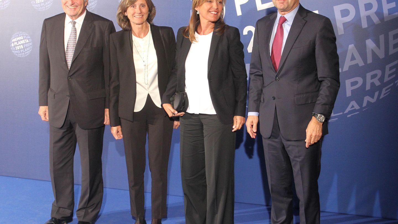 Josep Maria Bartomeu y su mujer, Marta Frías, en unos Premios Planeta.
