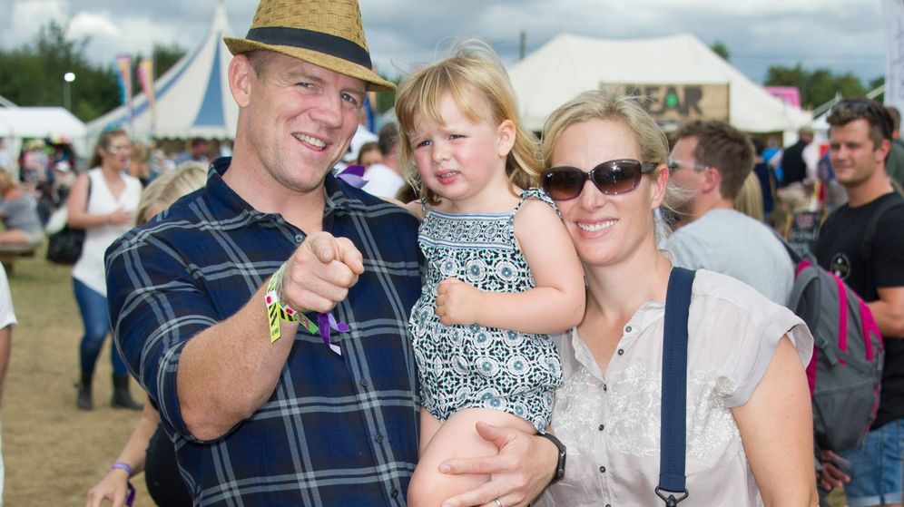 Foto: Mike Tindall, Zara Phillips y su hija Mia. (CP)