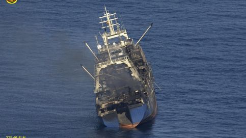 La mancha de fuel del pesquero hundido en Gran Canaria se acerca a la costa de la isla