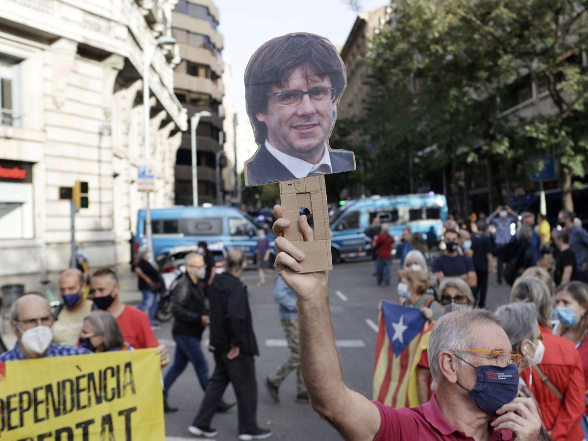 Foto: Protesta en Barcelona contra la detención de Puigdemont. (EFE)