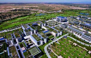 Los fondos buitre se convierten en los caseros de la sede del Santander