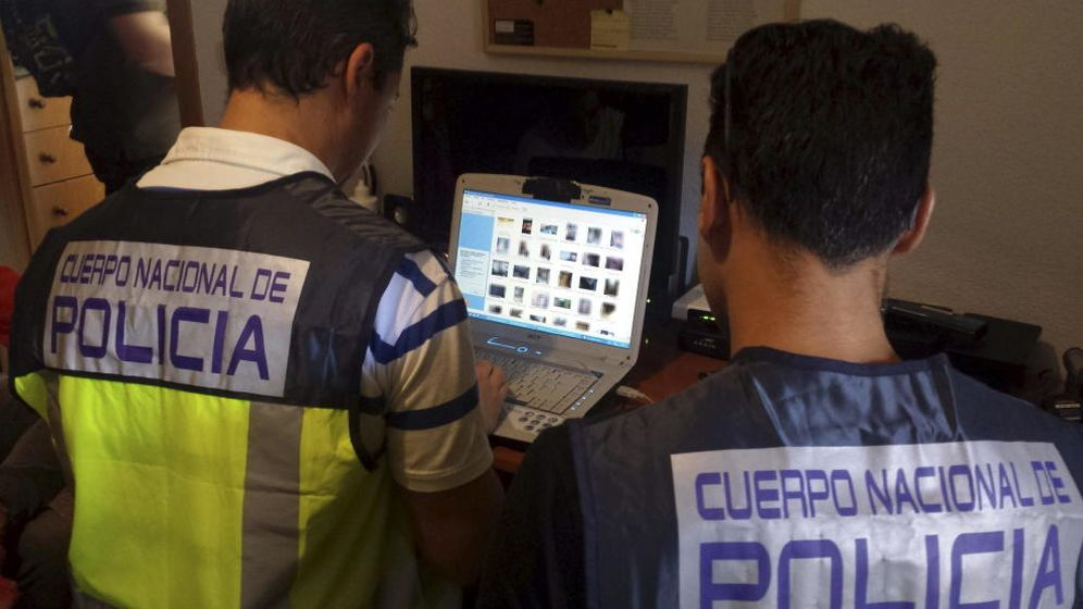 Foto: El chollo de la Universidad: 600.000 euros por impartir un curso 'online' a comisarios