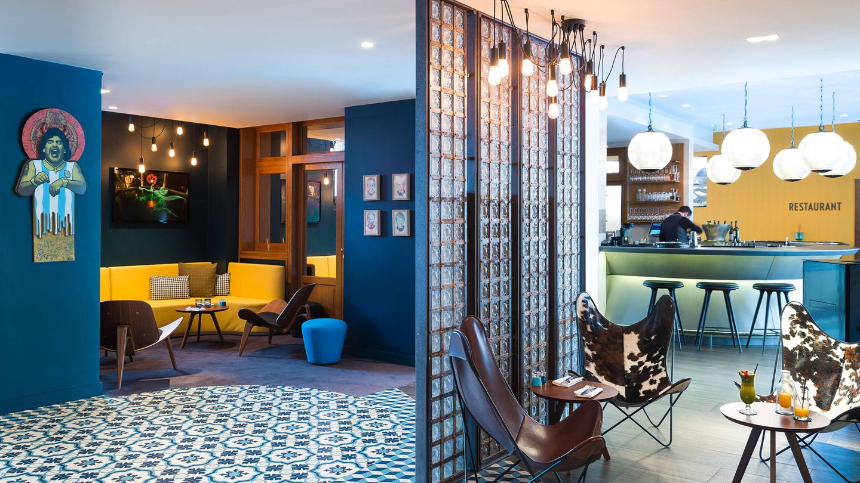 Bares, restaurantes, terraza y piscinas. El hotel Molitor es un parque de atracciones en sí mismo (Foto: Frédéric Baron-Morin)