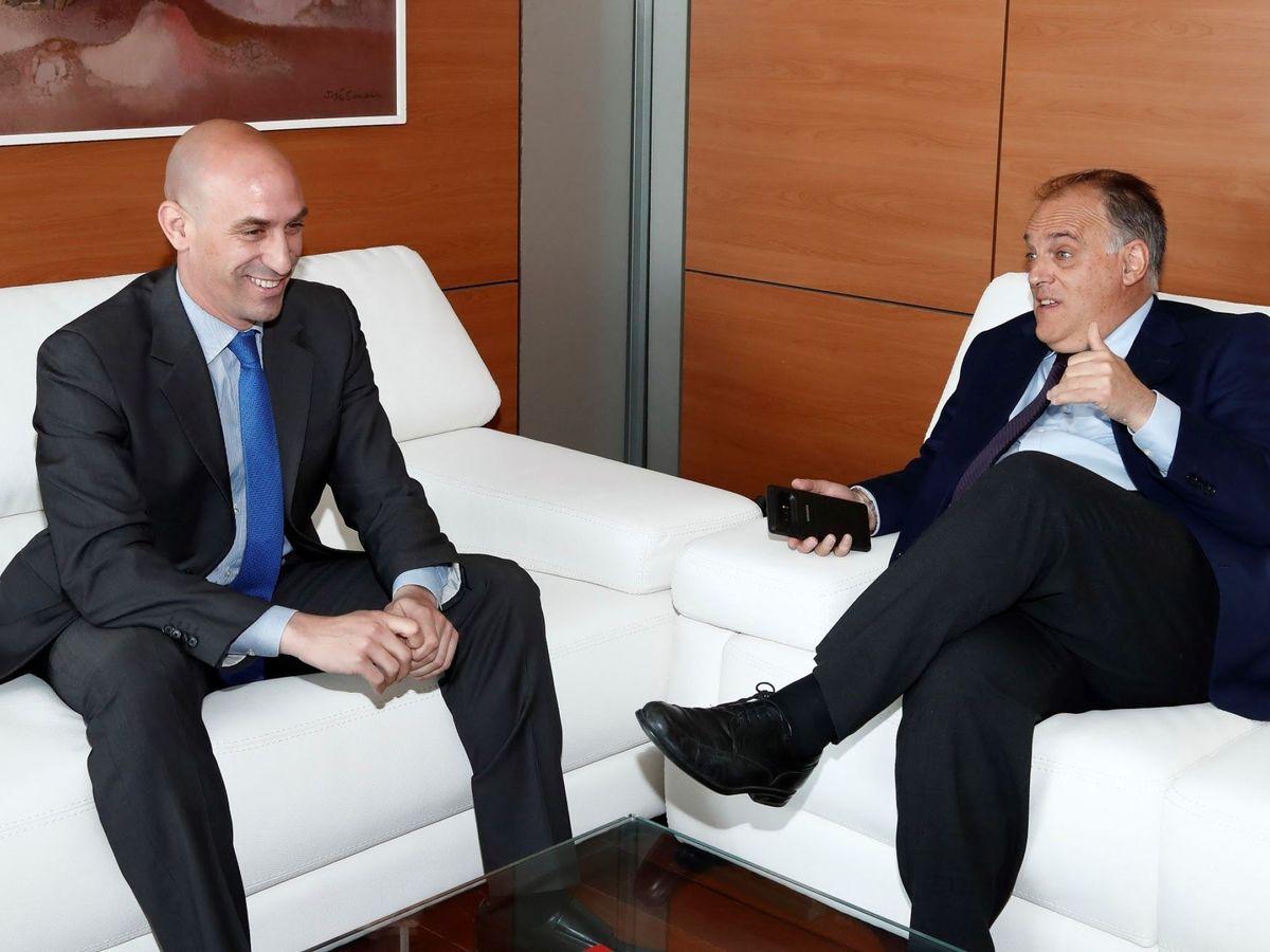 Foto: Luis Rubiales, presidente de la Fedración, y Javier Tebas, de la Liga. (Efe)
