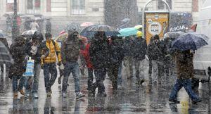 Nieve y lluvia en toda España: mañana se suavizarán las temperaturas