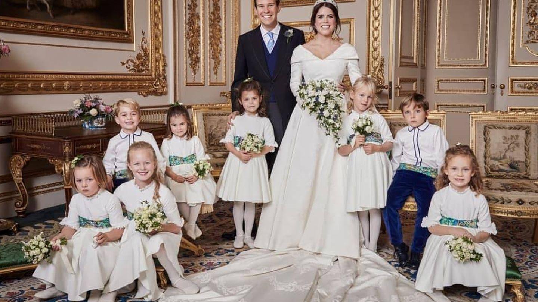 Eugenia de York y Jack Brooksbank, con los niños del cortejo nupcial. (Alex Bramall)