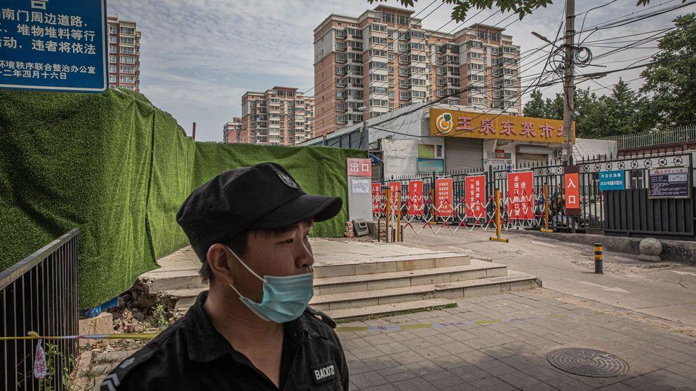 Pekín cierra colegios y prohíbe los vuelos interprovinciales por el rebrote de covid-19