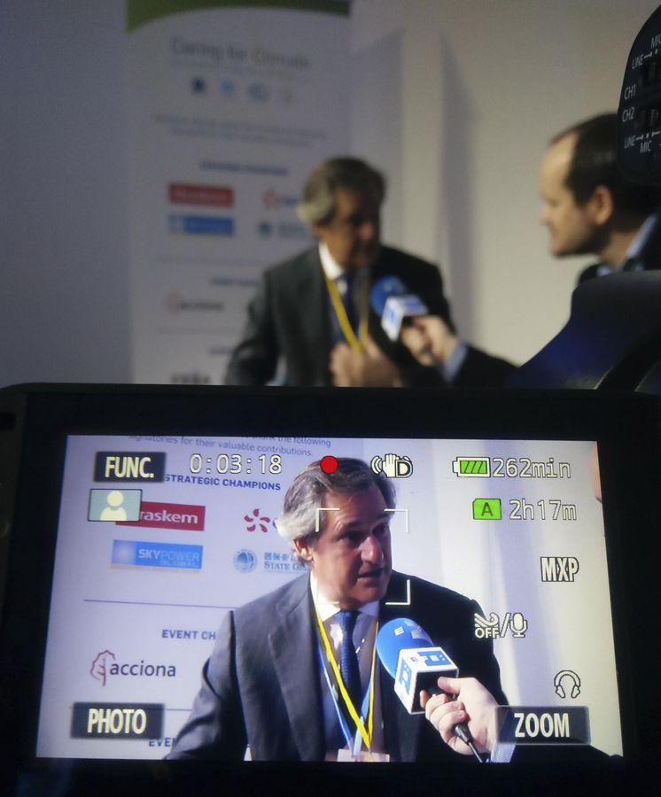 Foto: El presidente de Acciona, José Manuel Entrecanales, durante una entrevista. (EFE)