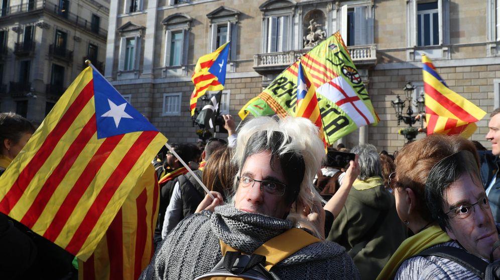 Foto: Manifestación de apoyo a Puigdemont. (EFE)