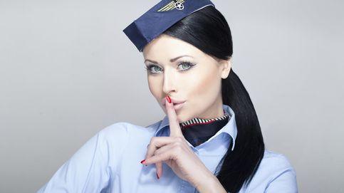 Sexo a bordo y timos al pasaje con el cambio: los secretos de los auxiliares de vuelo