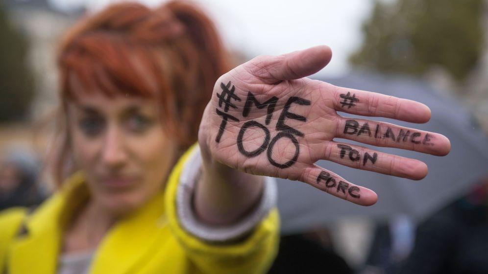 Foto: Protestas contra la violencia sexual en París (REUTERS)