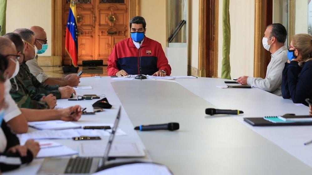 Foto: Maduro, en una reunión para abordar la situación del coronavirus en Venezuela (EFE)