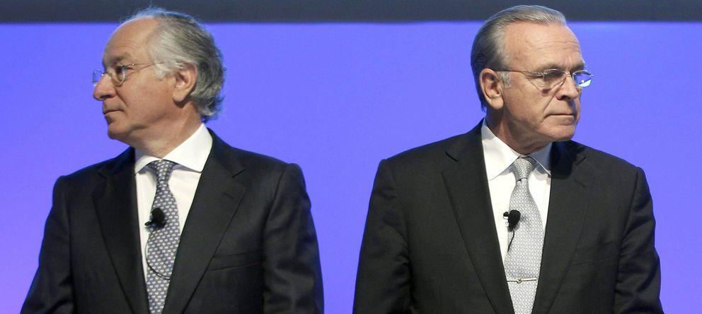 Foto: El presidente y el consejero delegado de CaixaBank, Isidre Fainé (d), y Juan María de Nin (Efe)