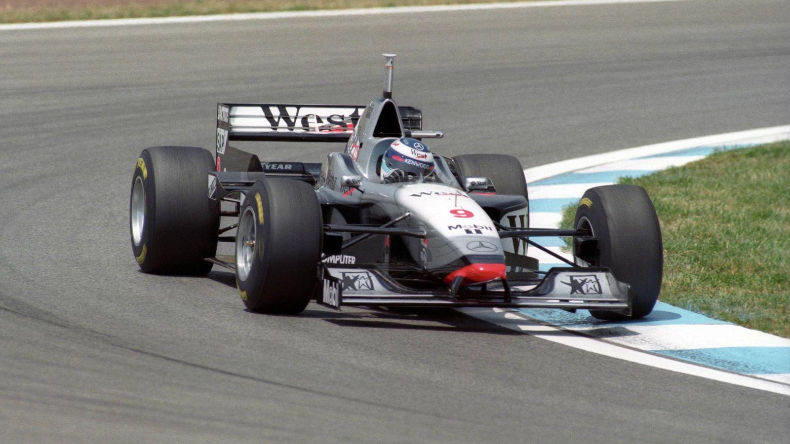 Foto: Mika Hakkinen con su McLaren-Mercedes en el Circuito de Cataluña en mayo de 1997. (Imago)