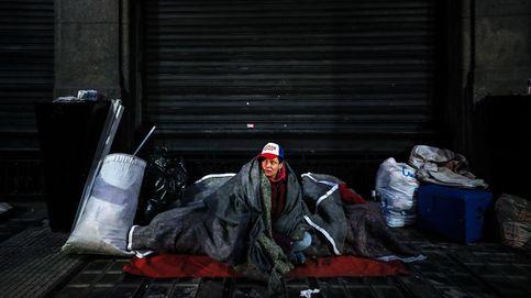 Pandemia para los sin techo, mientras Francia se prepara para su Día Nacional: el día en fotos