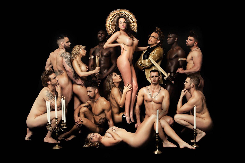 Samira Salomé Myhyv Se Desnuda Para Primera Línea