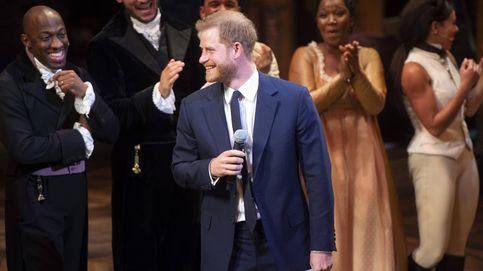 Vídeo: El príncipe Harry canta en un musical y sorprende a Meghan y al público