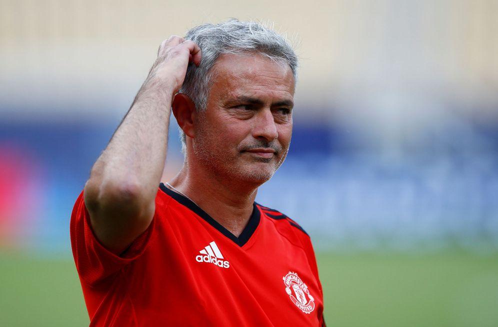Foto: Mourinho, durante el entrenamiento previo a la final de la Supercopa de Europa. (Reuters)