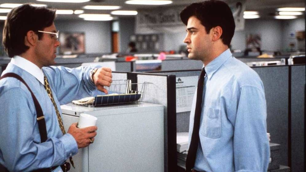 Foto: Fotograma de 'Enredos de oficina'.