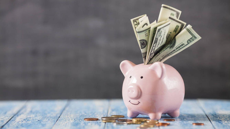 Las familias ahorran el 60% de la subida salarial y ajustan el gasto en bienes del hogar