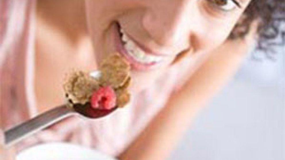 Un desayuno saludable predispone a mejorar la alimentación a lo largo del día en hombres y mujeres