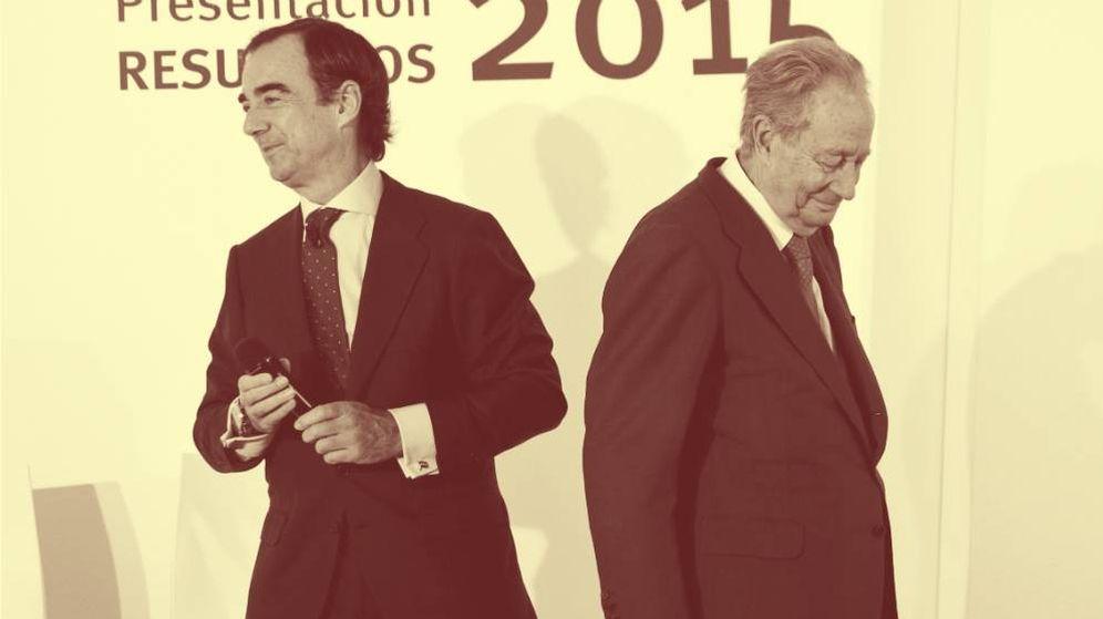 Foto: El presidente de OHL, Juan Villar-Mir Fuentes (i), junto al fundador del grupo, Juan Miguel Villar Mir. (Reuters)