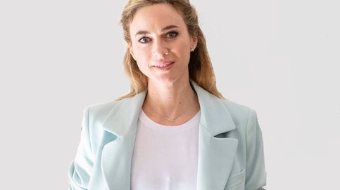 El vestido con escotazo de vértigo que sitúa a Marta Hazas en el top de invitadas