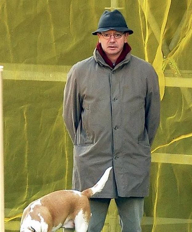 Foto: Alberto Ruiz Gallardón junto a uno de sus perros (Gtres)