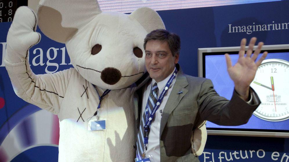 Foto: El presidente de Imaginarium, Félix Tena, durante la presentación de la empresa en el Mercado Alternativo Bursátil (MAB) en 2009. (EFE)