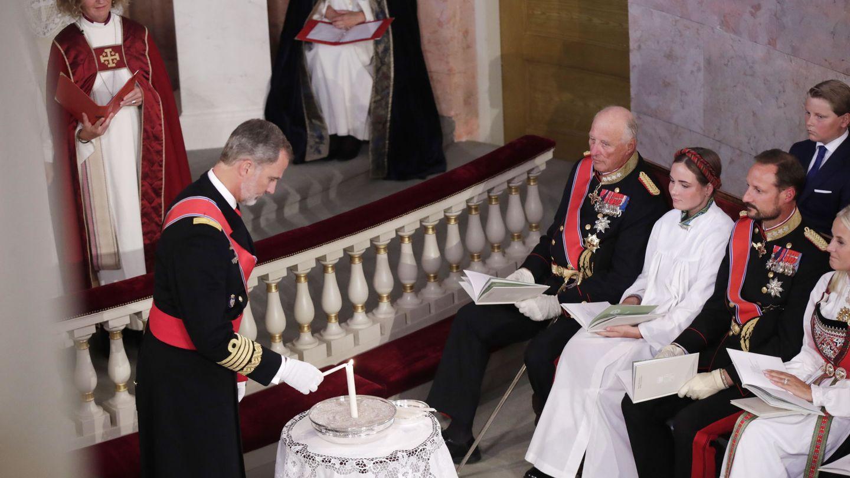 El rey Felipe, en la confirmación de Ingrid Alexandra de Noruega. (EFE)