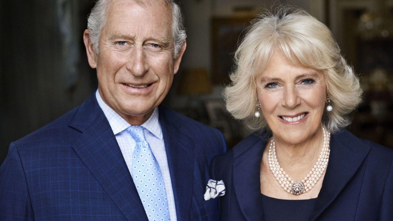 El príncipe de Gales y su esposa, Camilla Parker Bowles. (EFE)