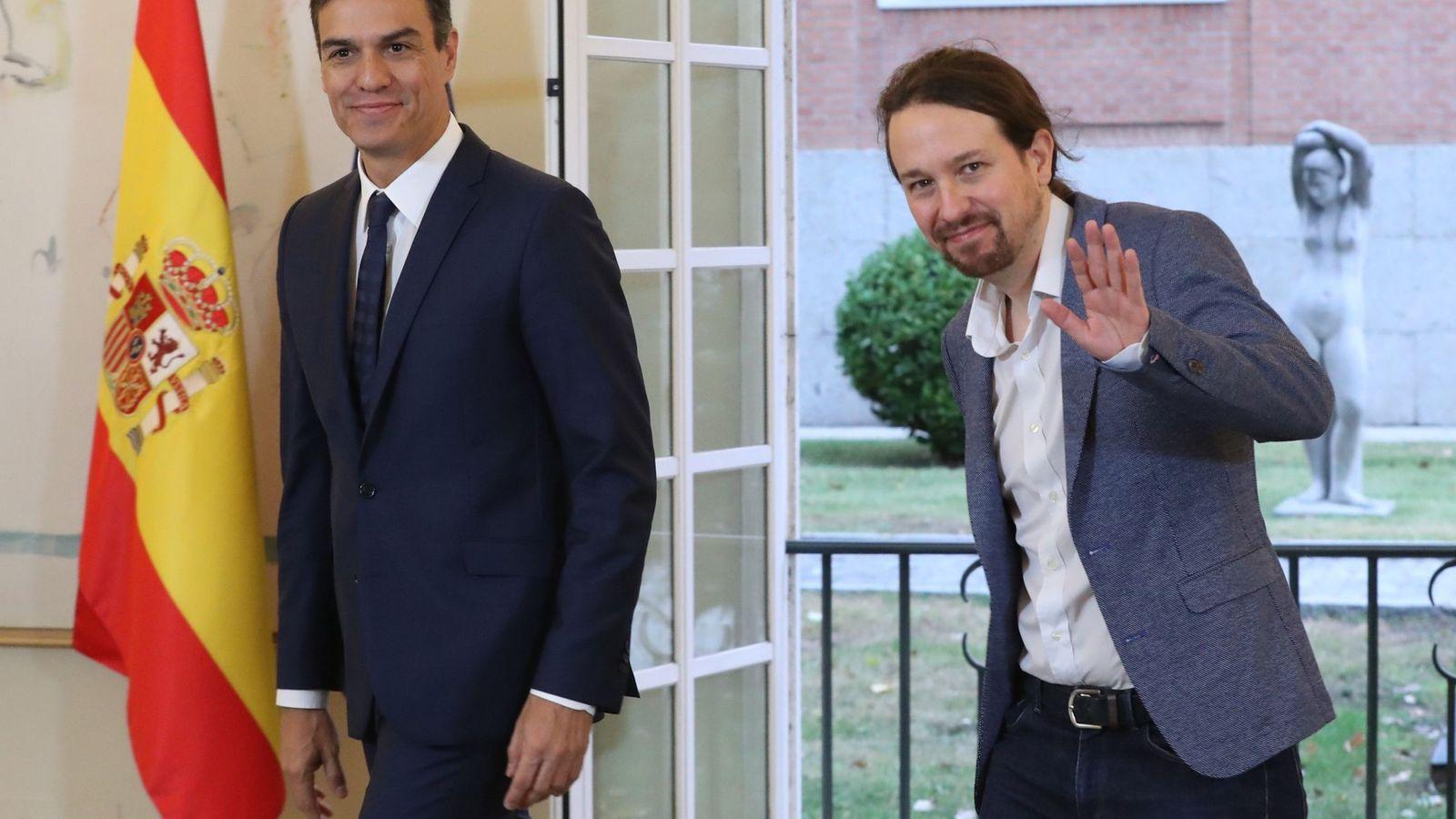 Foto: El presidente del Gobierno, Pedro Sánchez, y el secretario general de Podemos, Pablo Iglesias. (EFE)