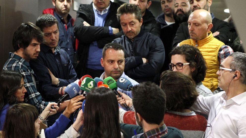 Los estibadores asumen que la reforma se aprobará este viernes y mantienen la huelga