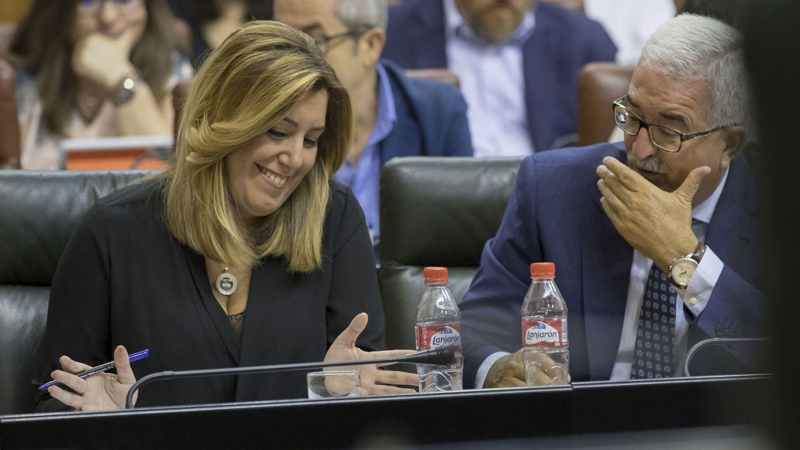 Foto: La presidenta andaluza, Susana Díaz, y el vicepresidente, Manuel Jiménez Barrios. (EFE)