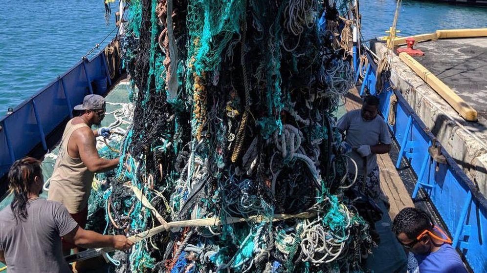 Foto: La ONG consiguió retirar dos enormes redes fantasma de cinco y ocho toneladas (Foto: Ocean Voyages Institute)